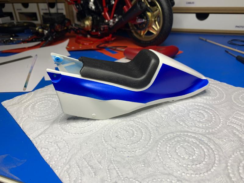 Honda CB 1100R Tamiya 1/6 - Page 4 Mini1006