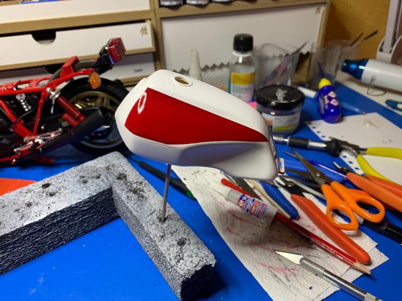 Honda CB 1100R Tamiya 1/6 - Page 4 Mini1008