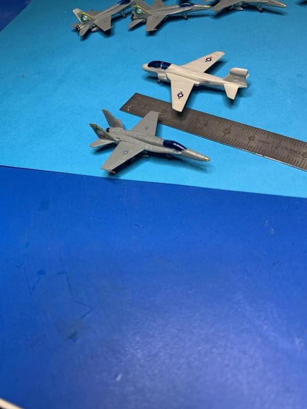 Porte Avion Enterprise CVN65 1/350 - Page 5 Mini1080