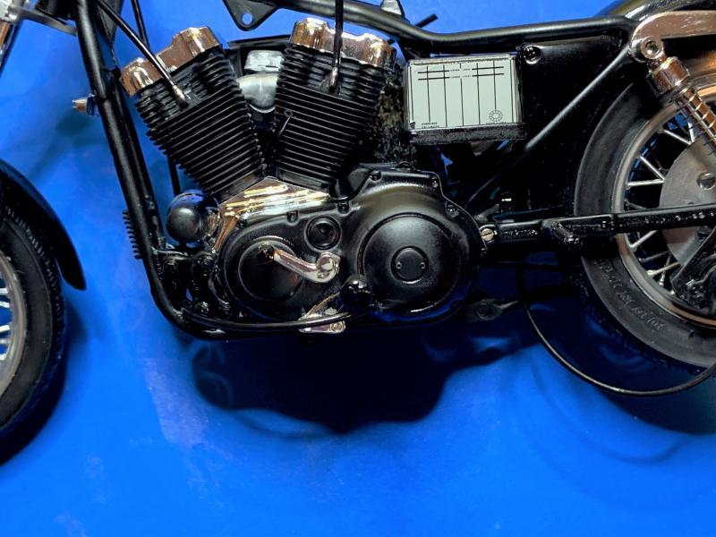 Harley Sporster 883 XLH au 1/9 - Page 4 Mini_217