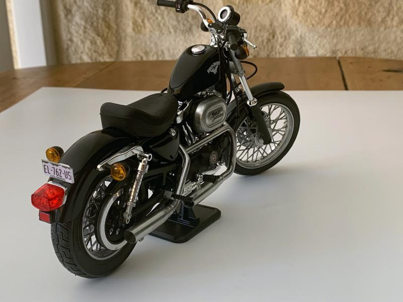 Harley Sporster 883 XLH au 1/9 - Page 5 Mini_220
