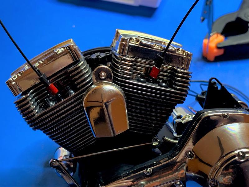 Harley Road King FLHRI au 1/6 Mini_302
