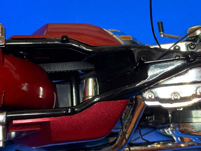 Harley Road King FLHRI au 1/6 Mini_312