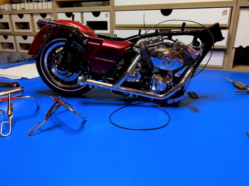 Harley Road King FLHRI au 1/6 Mini_313