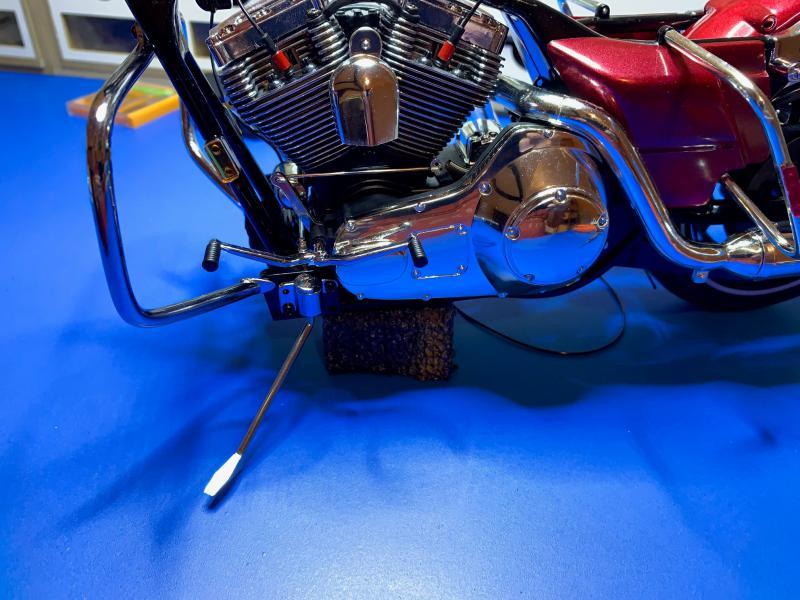 Harley Road King FLHRI au 1/6 Mini_315