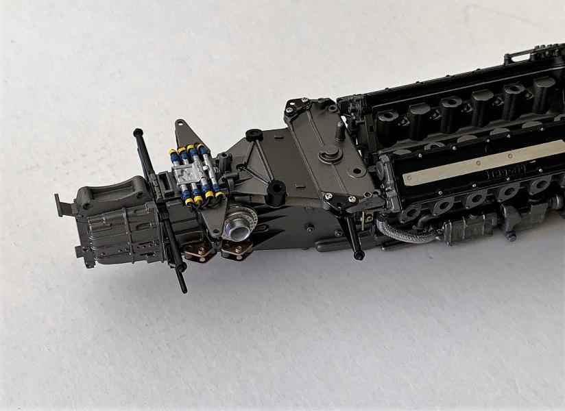 FERRARI F190 Alain Prost 1990, Tamiya 1/12 - Page 4 Mini_379