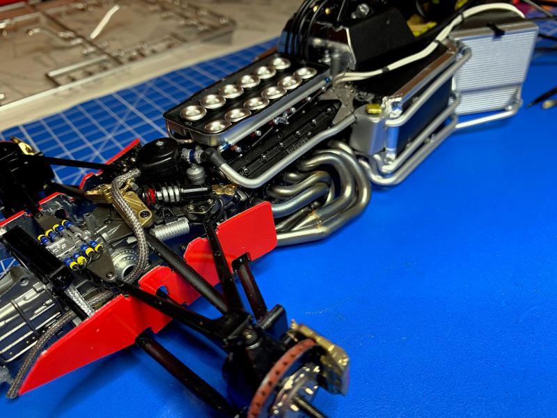 FERRARI F190 Alain Prost 1990, Tamiya 1/12 - Page 8 Mini_555
