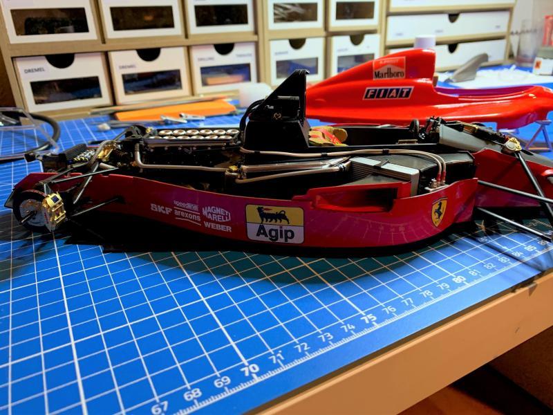 FERRARI F190 Alain Prost 1990, Tamiya 1/12 - Page 10 Mini_567