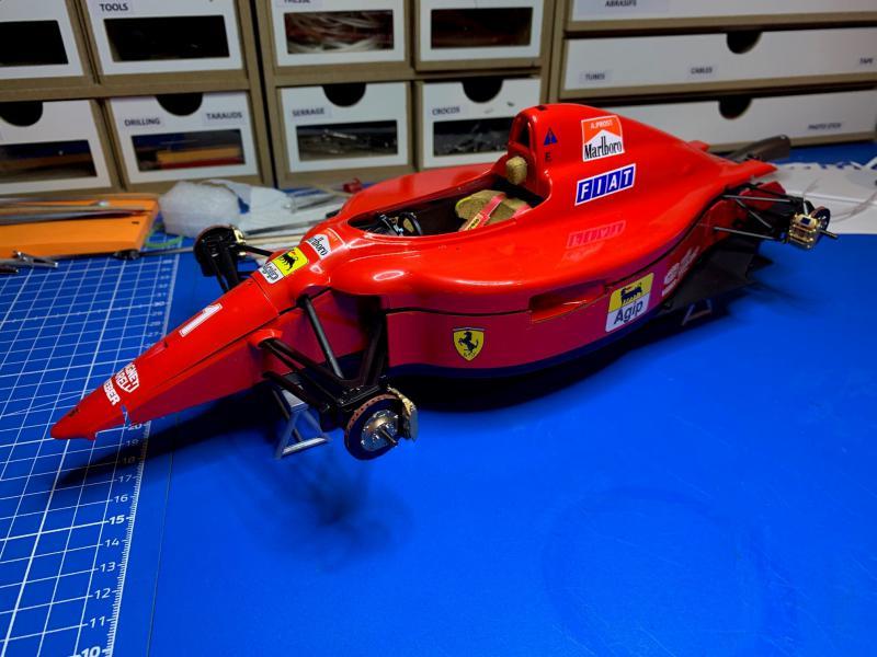 FERRARI F190 Alain Prost 1990, Tamiya 1/12 - Page 10 Mini_568