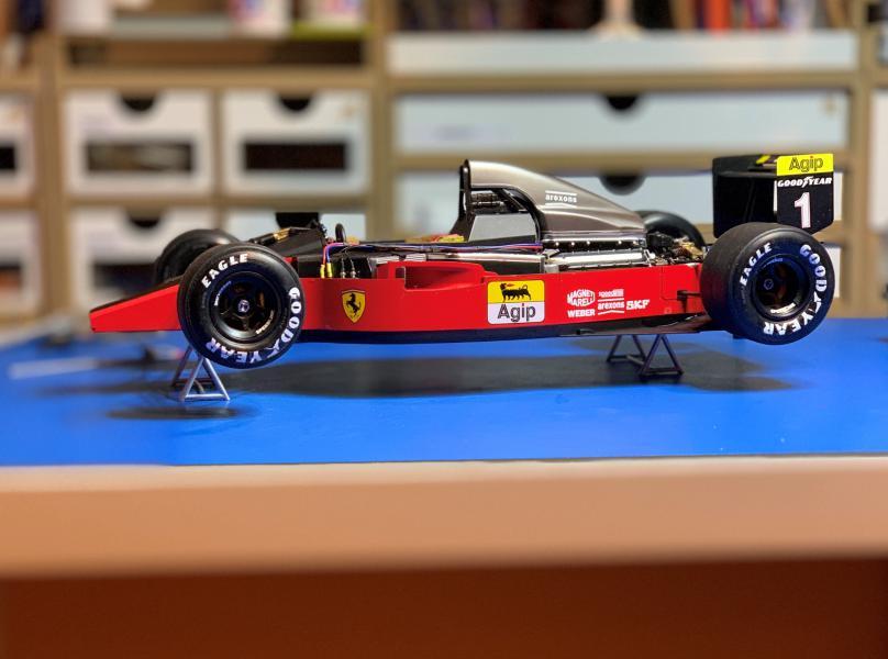 FERRARI F190 Alain Prost 1990, Tamiya 1/12 - Page 10 Mini_594