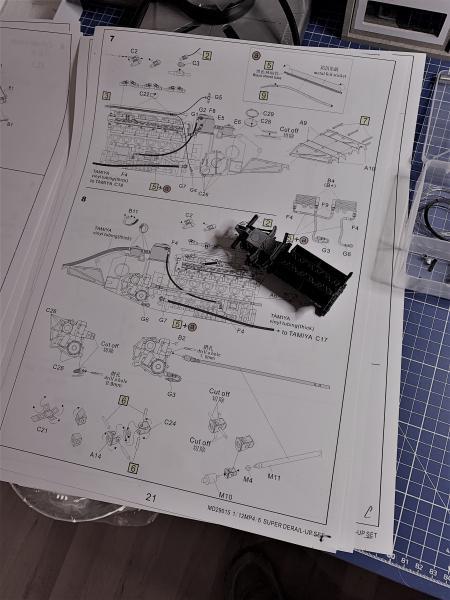 MCLAREN MP4/6 Magic Senna 1991, Tamiya 1/12 - Page 2 Mini_836