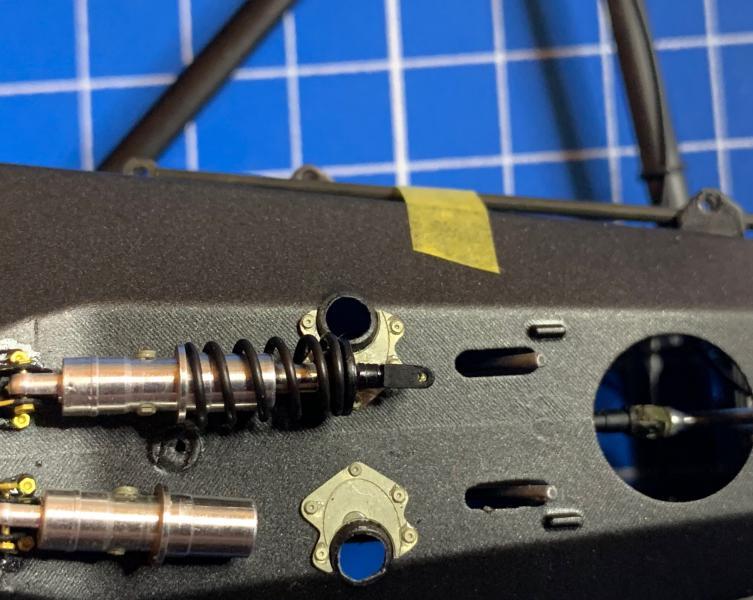 MCLAREN MP4/6 Magic Senna 1991, Tamiya 1/12 - Page 5 Mini_905