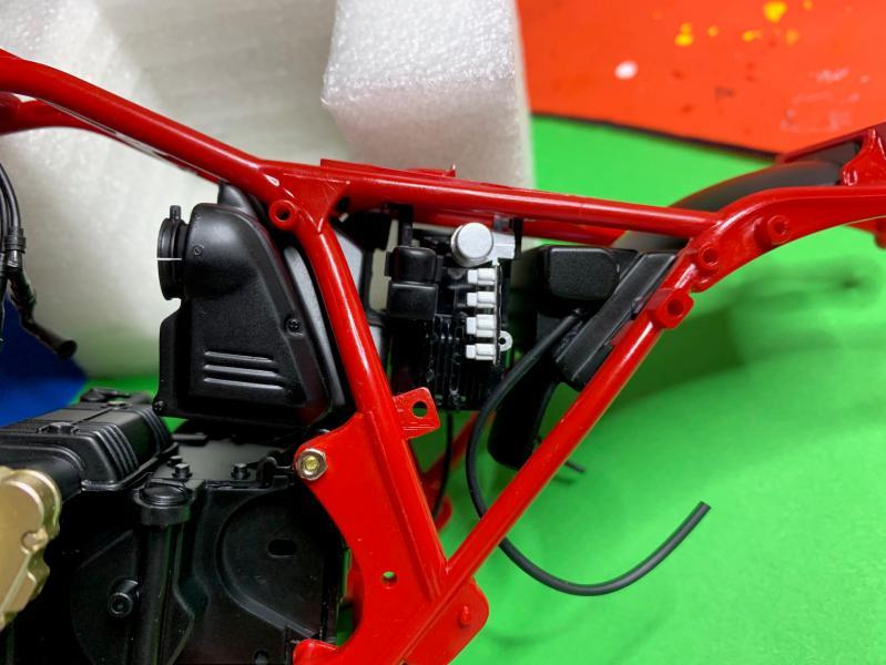 Honda CB 1100R Tamiya 1/6 - Page 2 Mini_952