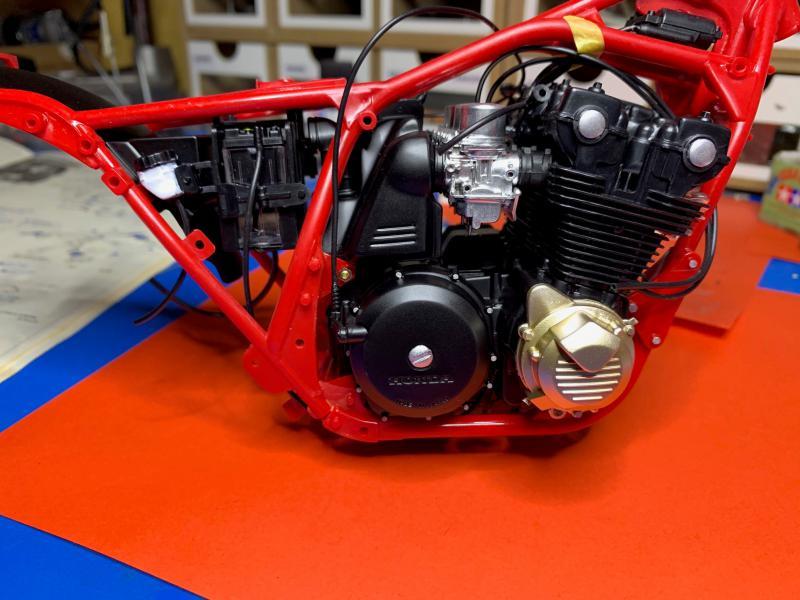 Honda CB 1100R Tamiya 1/6 - Page 2 Mini_960