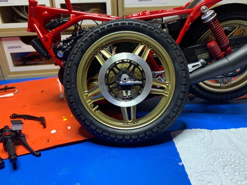Honda CB 1100R Tamiya 1/6 - Page 4 Mini_988