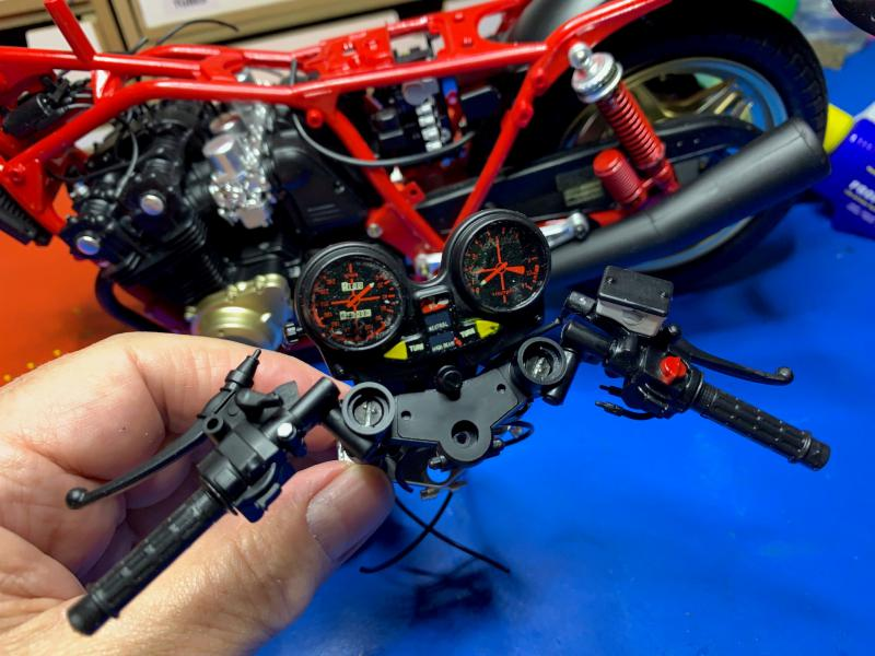 Honda CB 1100R Tamiya 1/6 - Page 4 Mini_990