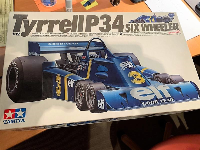 F1 Tyrell P34 (six roues) au 1/12 1976 Mini_b11