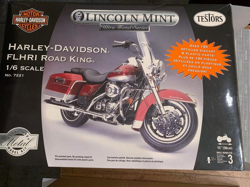 Harley Road King FLHRI au 1/6 Mini_k28