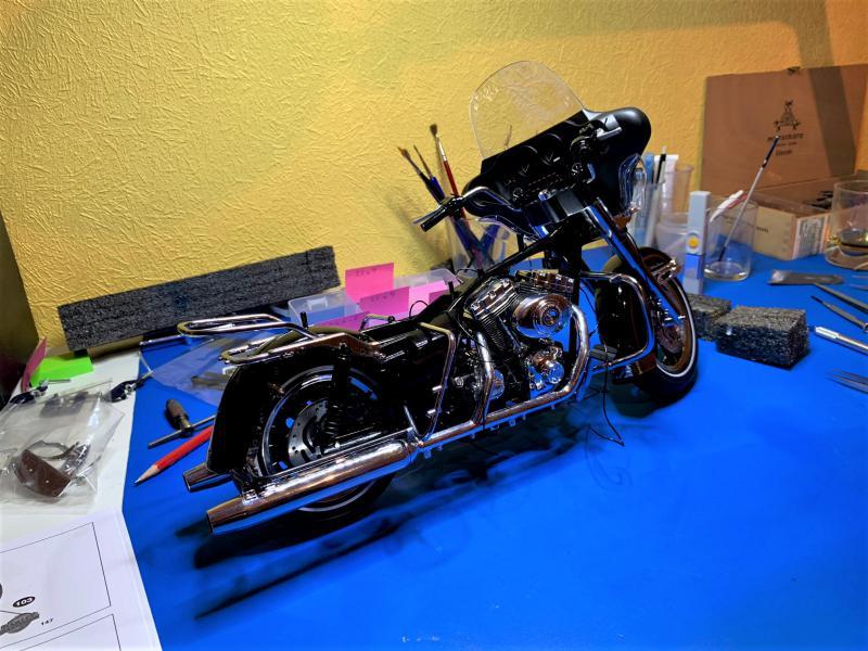 Harley Ultra Classic Electra Glide 1/6 - Page 2 Mini_w39
