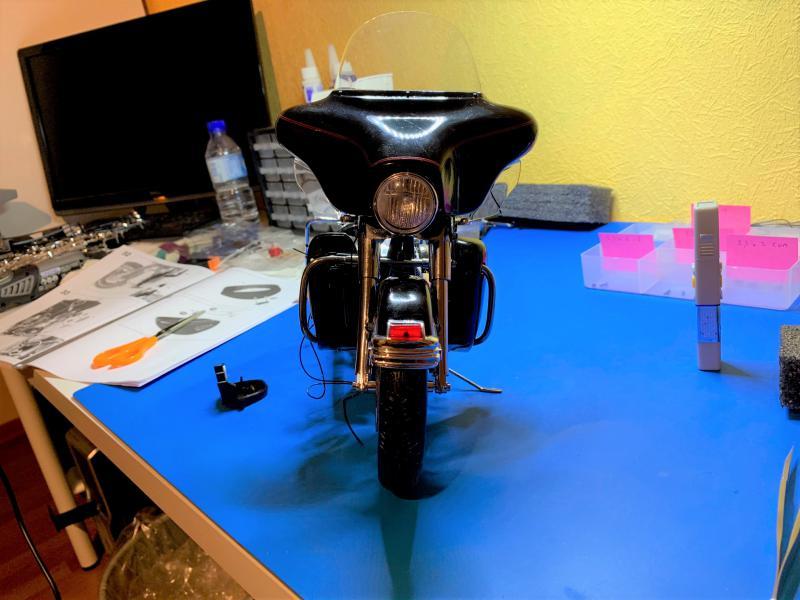 Harley Ultra Classic Electra Glide 1/6 - Page 2 Mini_w40