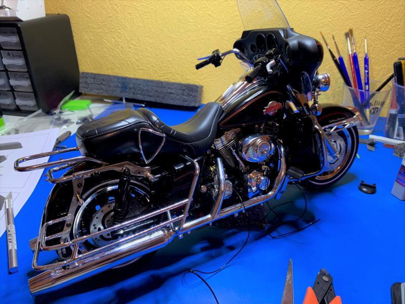 Harley Ultra Classic Electra Glide 1/6 - Page 2 Mini_w45