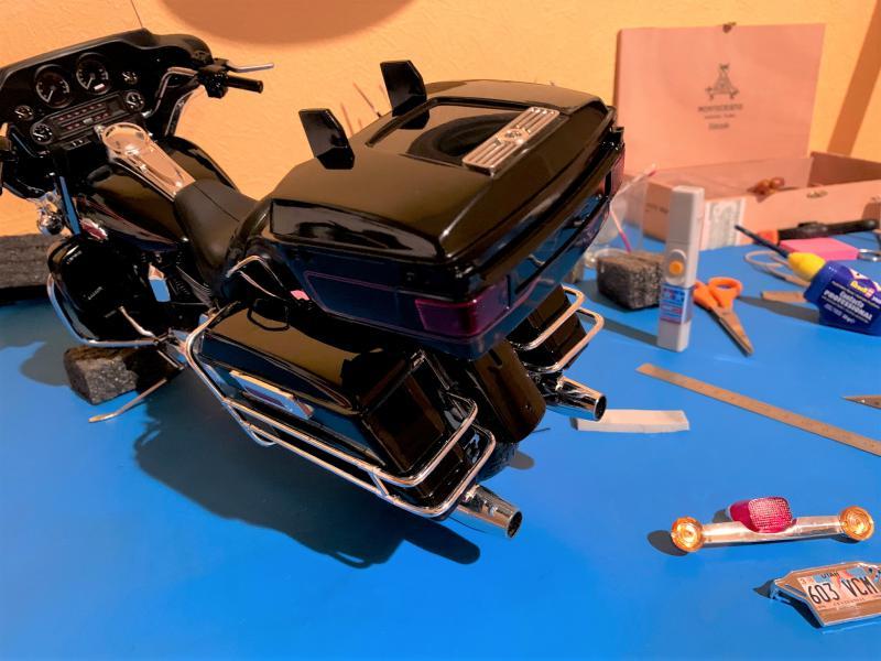 Harley Ultra Classic Electra Glide 1/6 - Page 2 Mini_w50