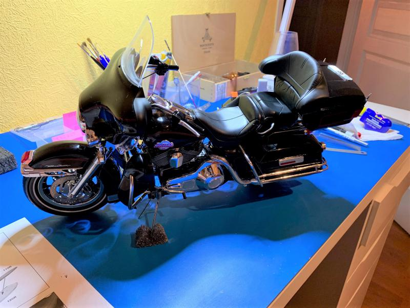 Harley Ultra Classic Electra Glide 1/6 - Page 2 Mini_w52