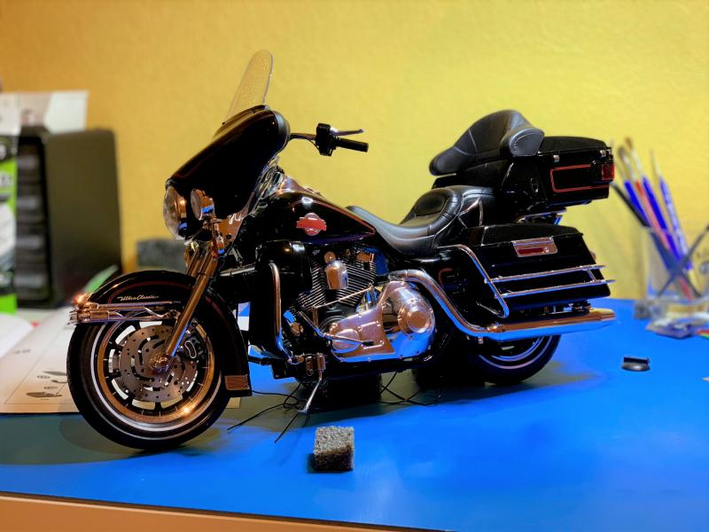 Harley Ultra Classic Electra Glide 1/6 - Page 2 Mini_w53