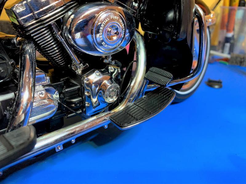 Harley Ultra Classic Electra Glide 1/6 - Page 2 Mini_w59