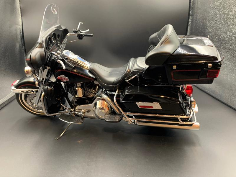 Harley Ultra Classic Electra Glide 1/6 - Page 2 Mini_w61