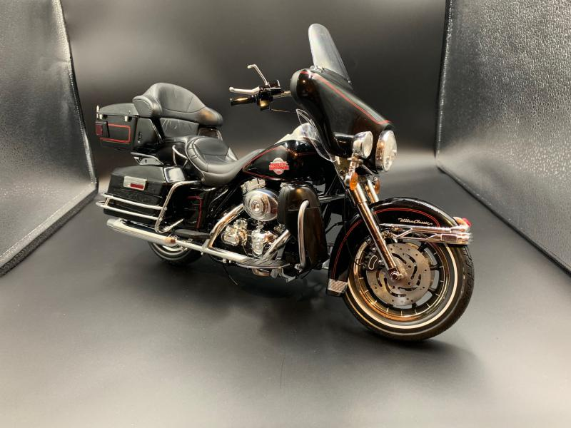 Harley Ultra Classic Electra Glide 1/6 - Page 2 Mini_w62