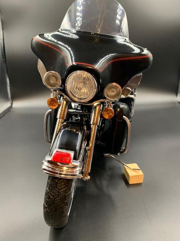 Harley Ultra Classic Electra Glide 1/6 - Page 2 Mini_w63