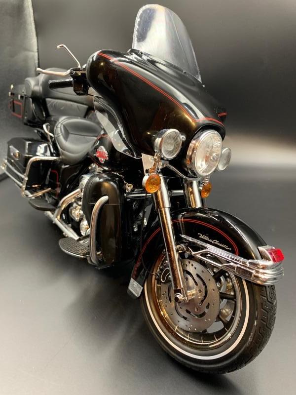 Harley Ultra Classic Electra Glide 1/6 - Page 2 Mini_w64