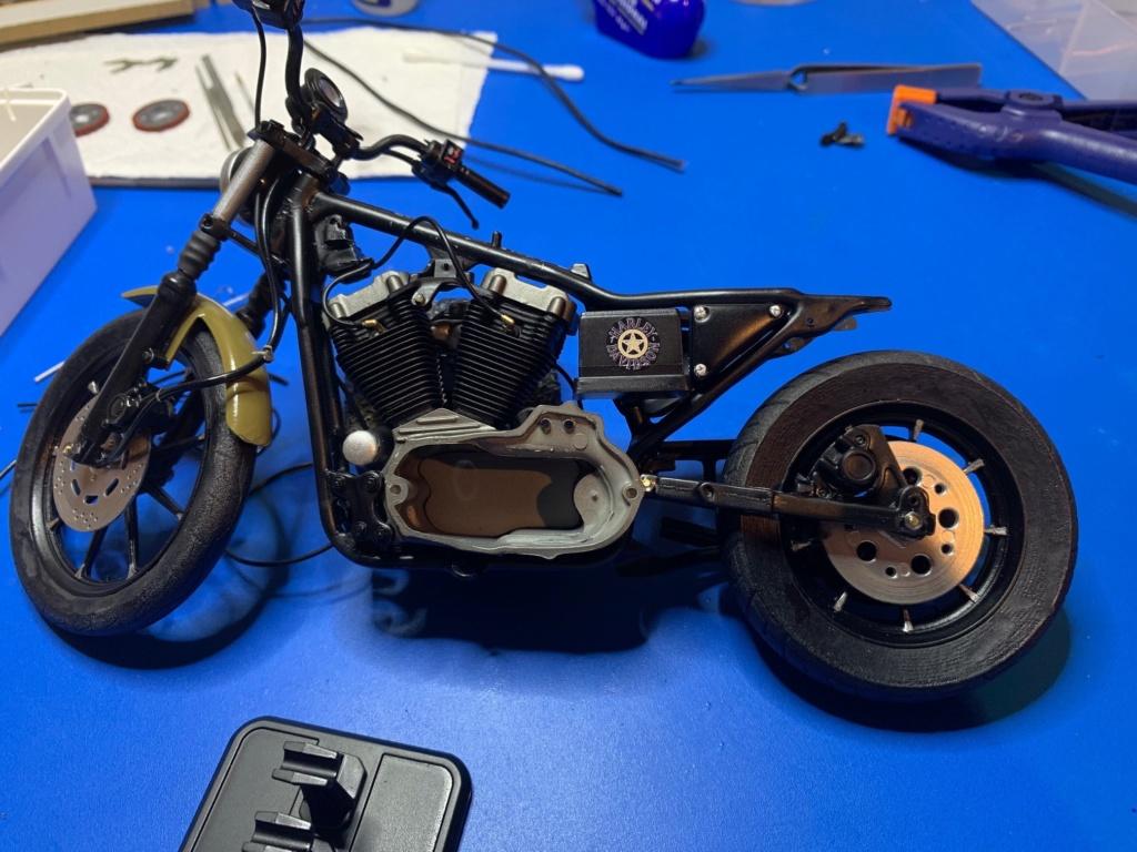 Harley Iron 883 au 1/9 - Page 6 Wip5511