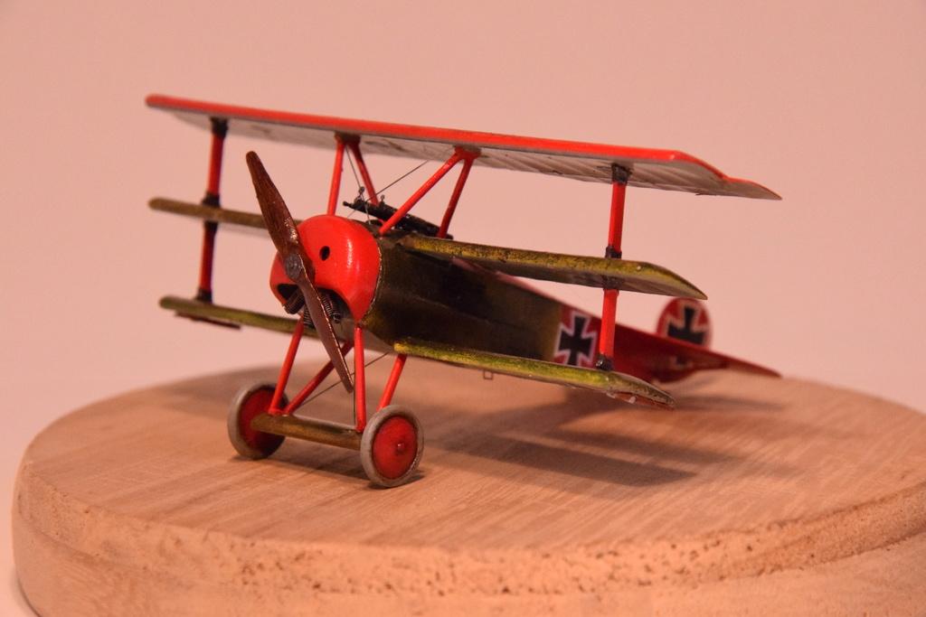 Fokker Dr.I - Eduard - 1/72 - Page 3 04710