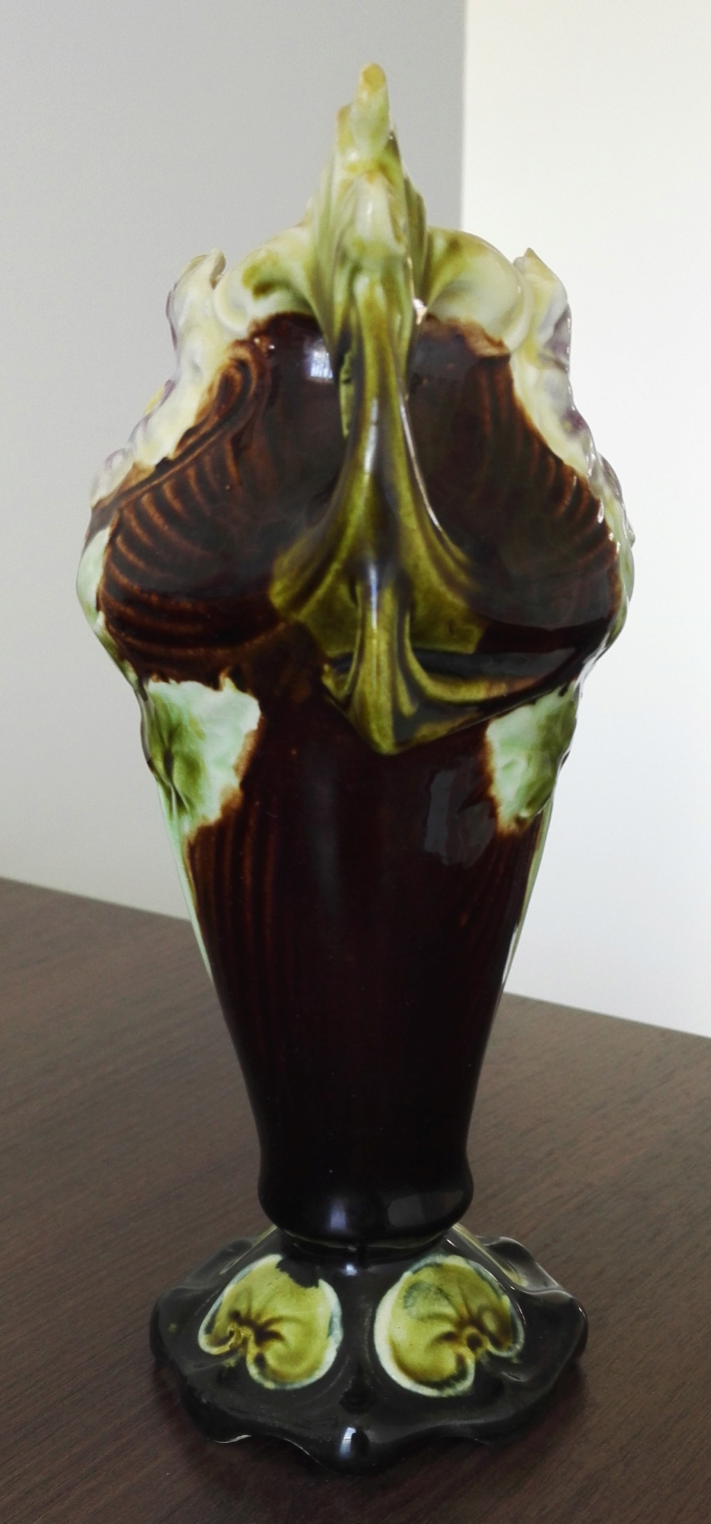 Hey - Please help identify this flowery vase Img_2014
