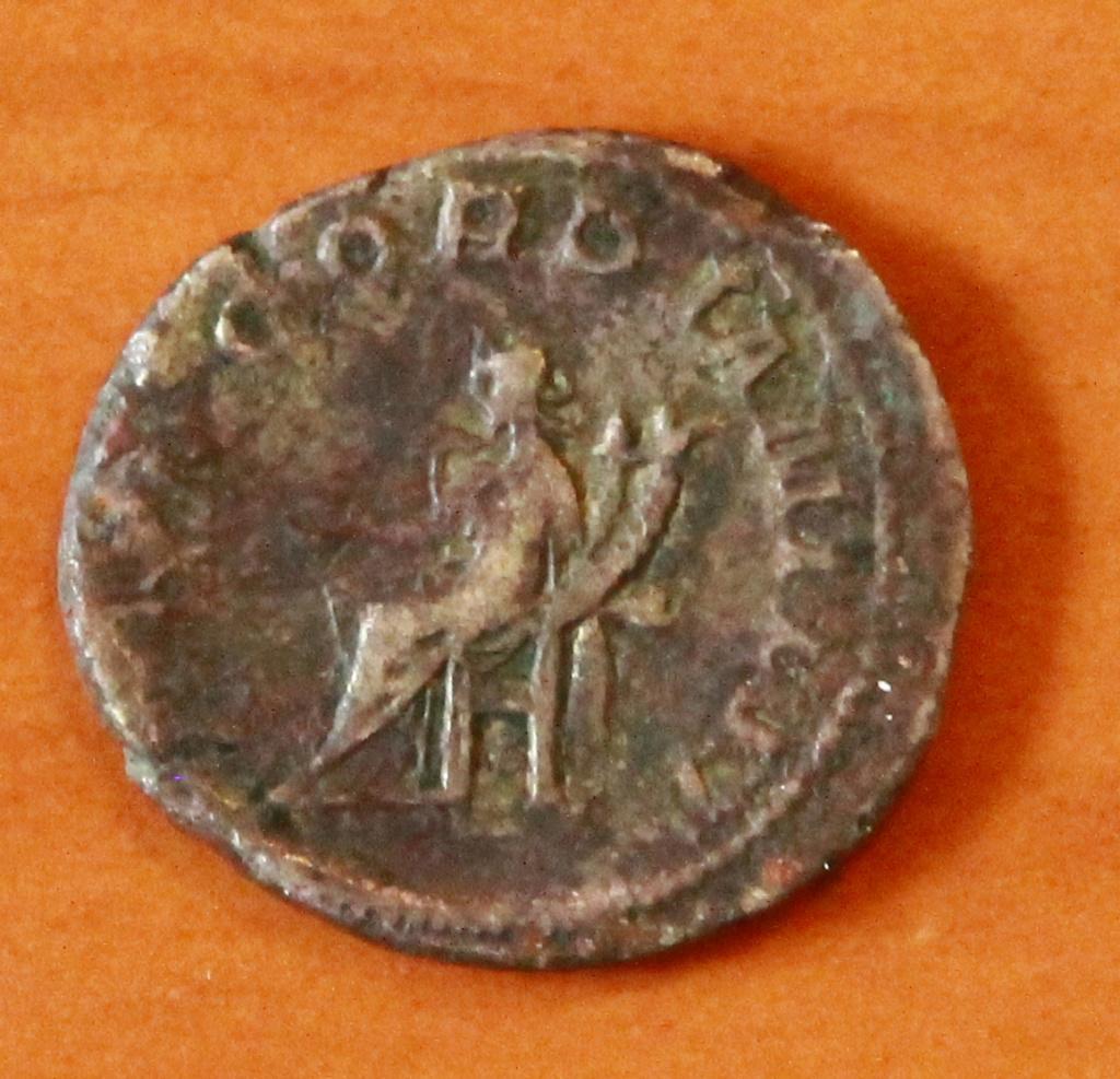 Antoniniano de Gordiano III. CONCORDIA MILIT. Concordia sentada a izq. Roma 13_rev10