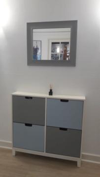 Comment décorer un couloir de placards intégrés Couleu10