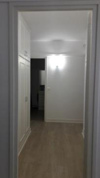 Comment décorer un couloir de placards intégrés Couloi10