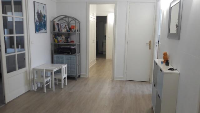Comment décorer un couloir de placards intégrés Entrzo10
