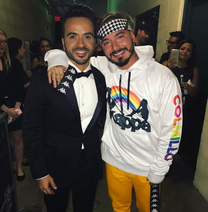 ¿Cuánto mide Luis Fonsi? - Estatura real: 1,71 - Real height - Página 4 Captur12