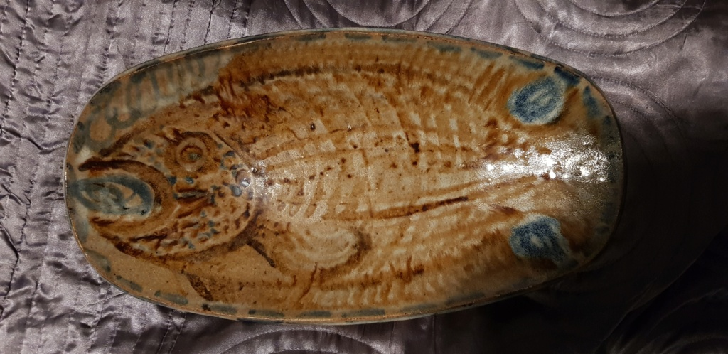 Large fish platter unknown impressed LW mark 20190814