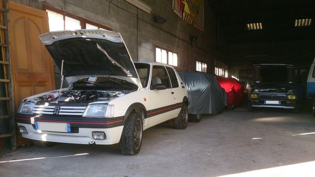 [73] 205 GTI 1L9 - 122cv - AM93 - Blanc Banquise - Page 2 Dsc_0010