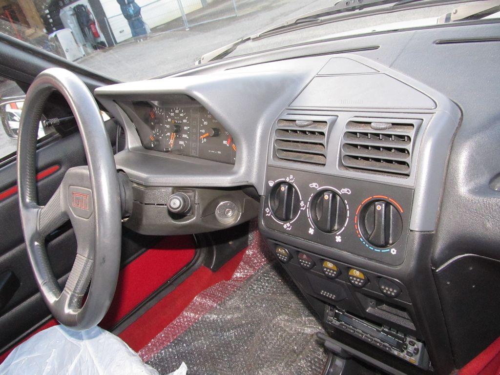 [73] 205 GTI 1L9 - 122cv - AM93 - Blanc Banquise Img_5415