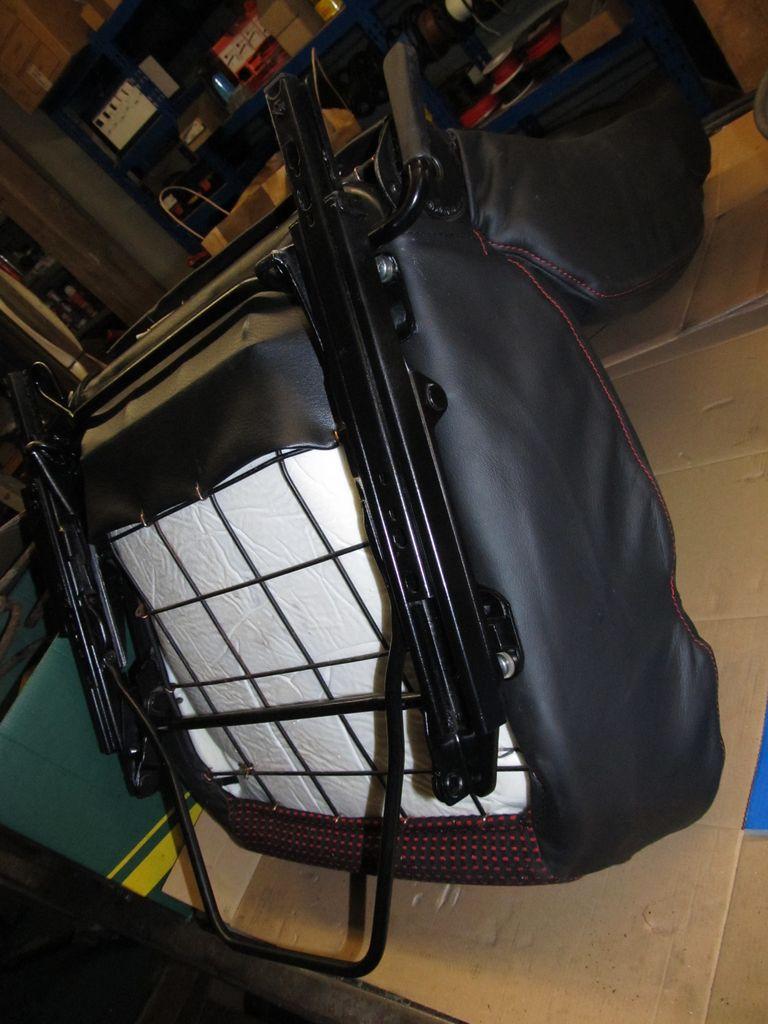 [73] 205 GTI 1L9 - 122cv - AM93 - Blanc Banquise Img_6712
