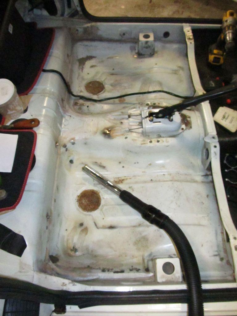 [73] 205 GTI 1L9 - 122cv - AM93 - Blanc Banquise Img_6728