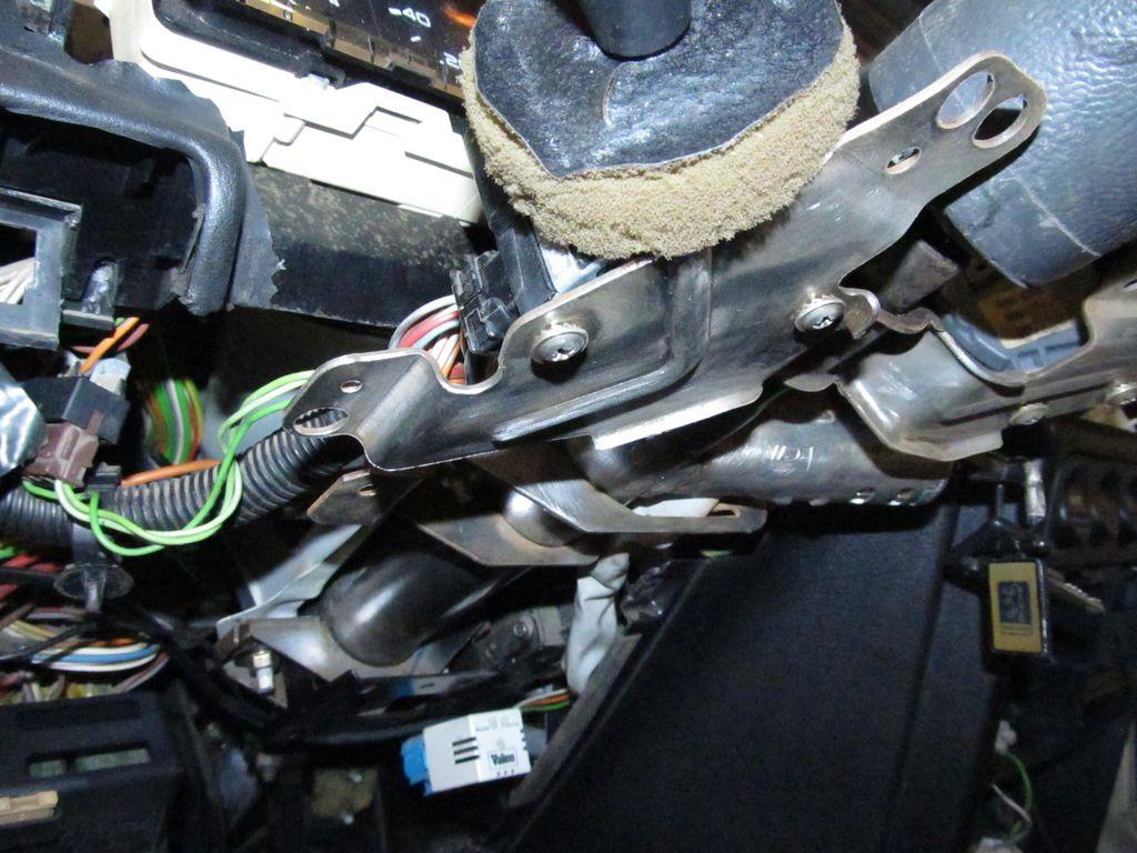 [73] 205 GTI 1L9 - 122cv - AM93 - Blanc Banquise Img_6814