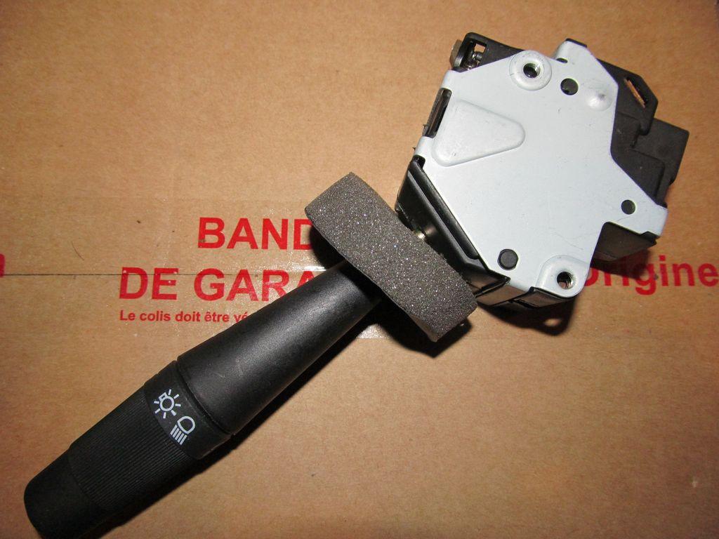 [73] 205 GTI 1L9 - 122cv - AM93 - Blanc Banquise - Page 2 Img_6910