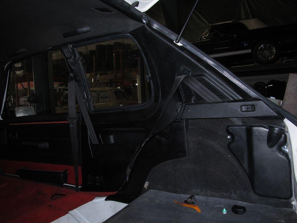 [73] 205 GTI 1L9 - 122cv - AM93 - Blanc Banquise - Page 3 Img_7619