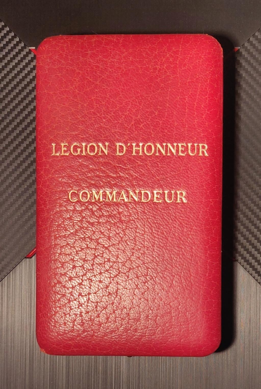 Deux légions d'honneur et une commandeur 4 ème rép ?  Img_2096